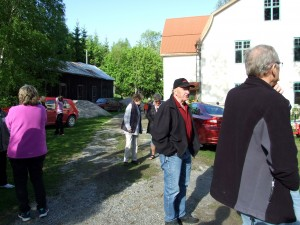 DSCF9175-Samling på skolgården